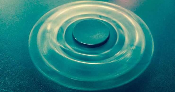 fidget spinner dando vueltas