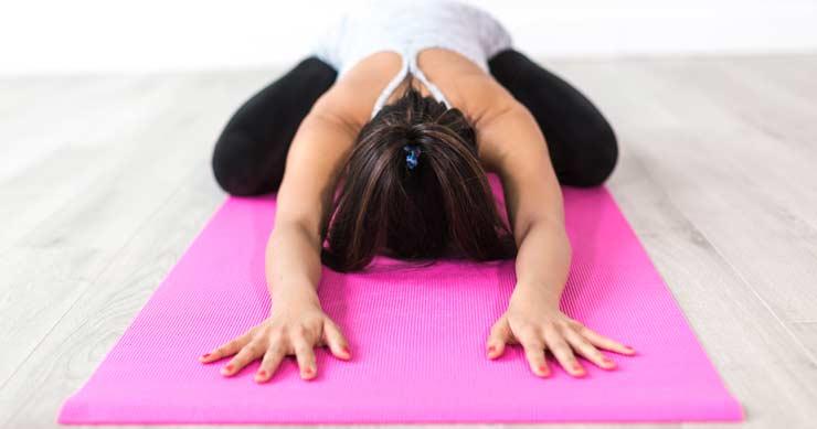 yoga estiamientos de músculos